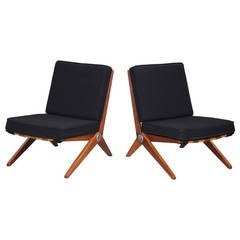 Rare walnut pair of Scissor type 92 lounge chairs by Pierre Jeaneret for Knoll