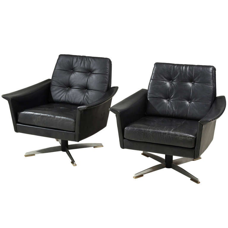 Pair Swiveling Black Leather Club Chairs At 1stdibs