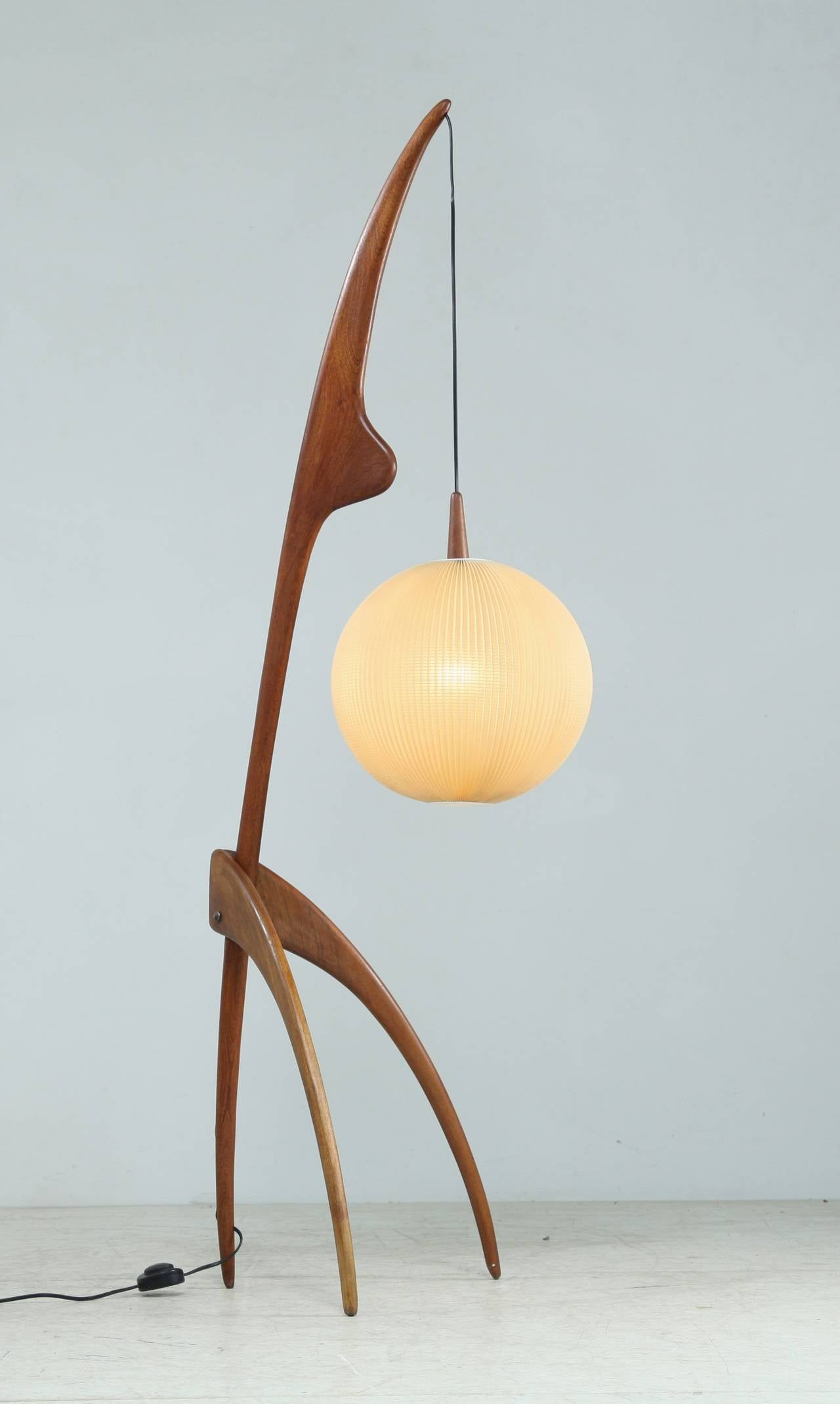 rispal 39 praying mantis 39 floor lamp at 1stdibs. Black Bedroom Furniture Sets. Home Design Ideas
