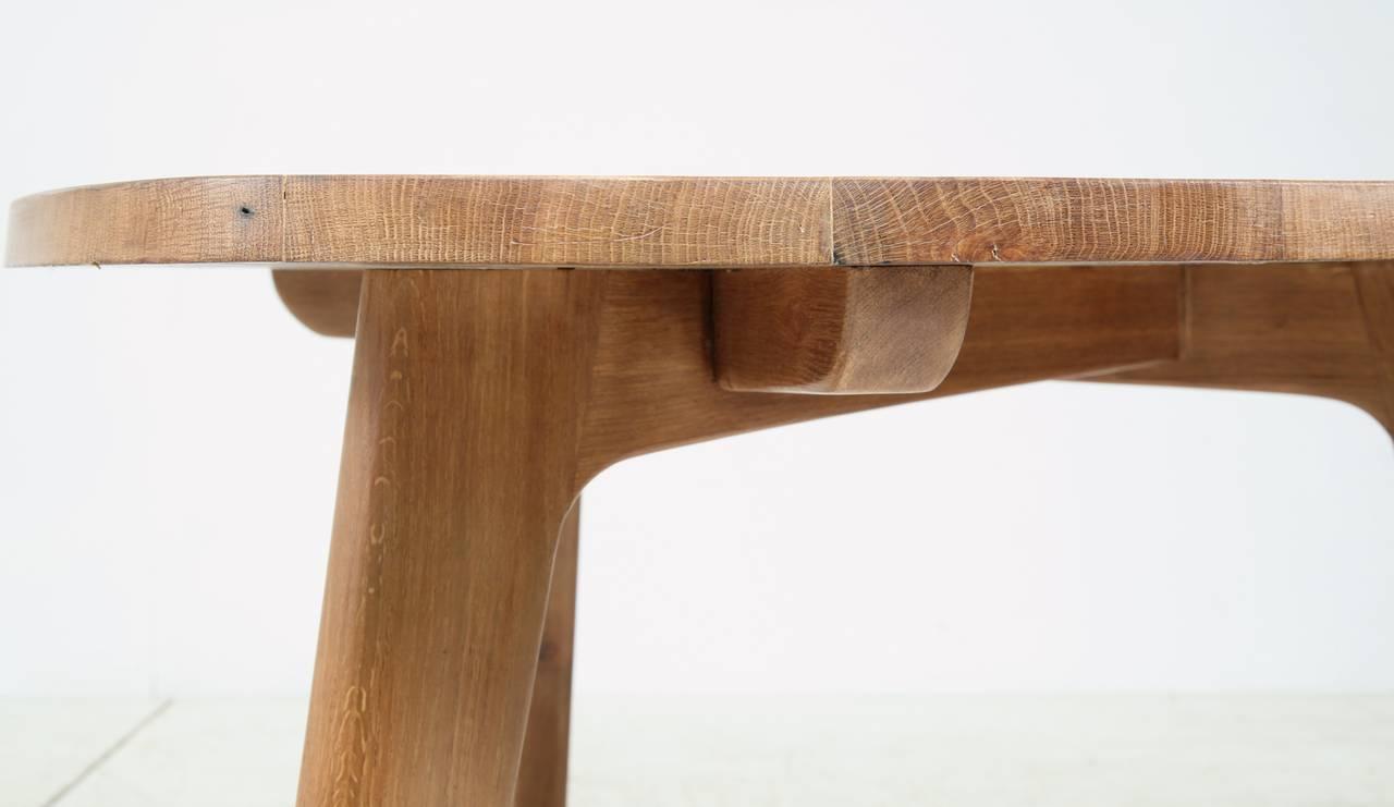 Triangular Oak Dining Table For Sale at 1stdibs : Triangletableoakfoto5l from www.1stdibs.com size 1280 x 741 jpeg 52kB