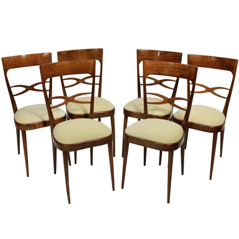 A Set Of Six Elegant Italian Dining Chairs In Cherry Wood At 1stdibs