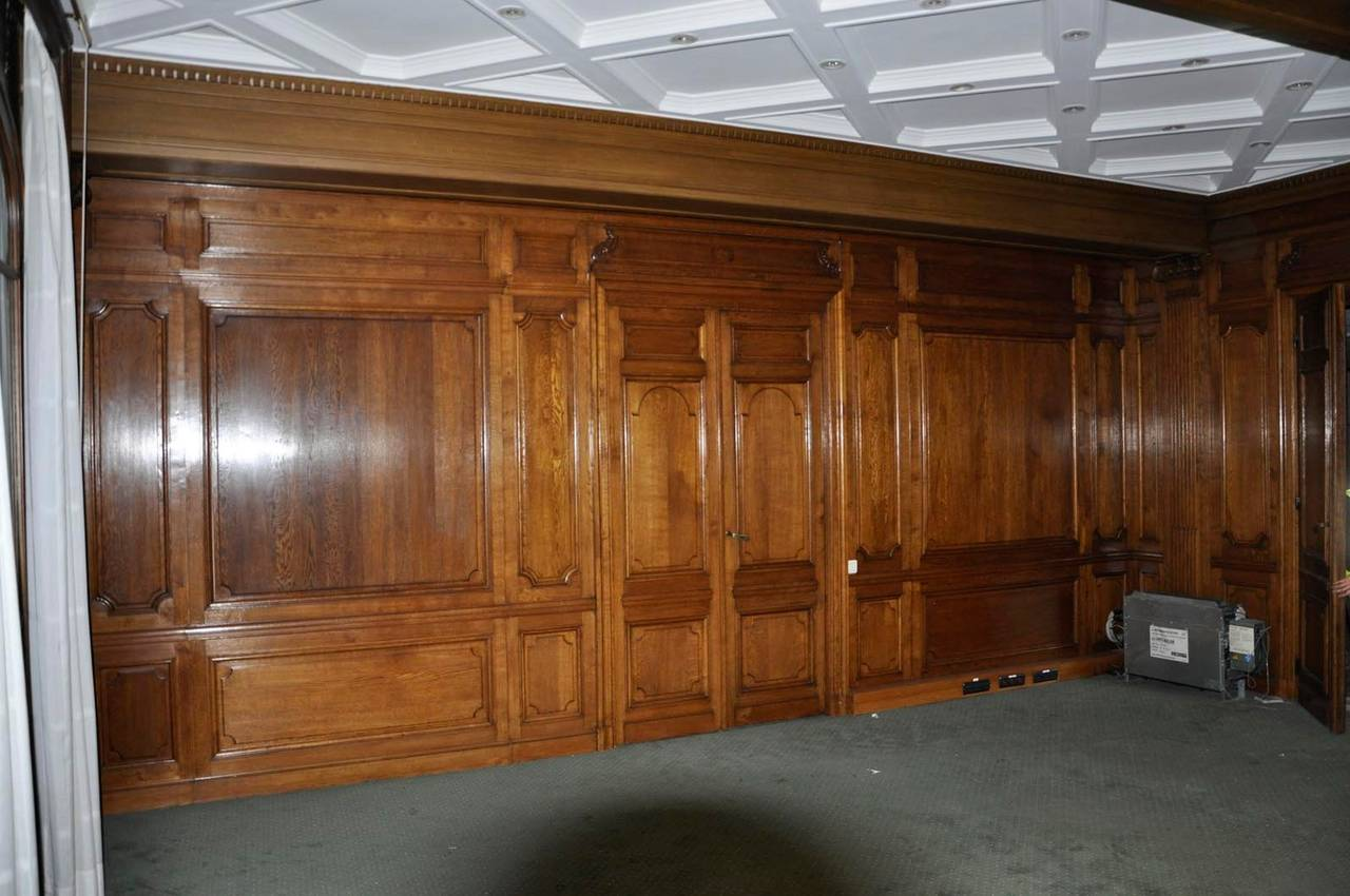 Sculpted Oak Wood Paneled Room 19th Century For Sale At
