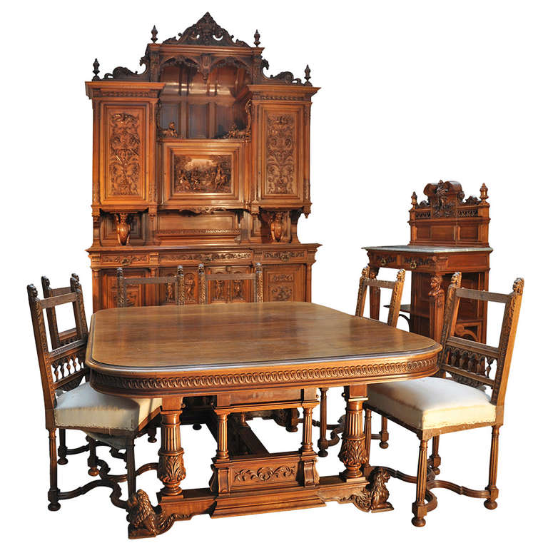 Antique neo renaissance style dining room set in walnut for Antique dining room sets
