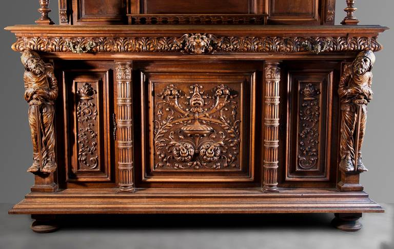 Amazing Neo Renaissance Style Dining Room Furniture In Walnut Wood, 19th Century 3