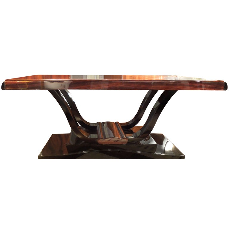 Art deco dining room table at 1stdibs for Artistic dining room tables