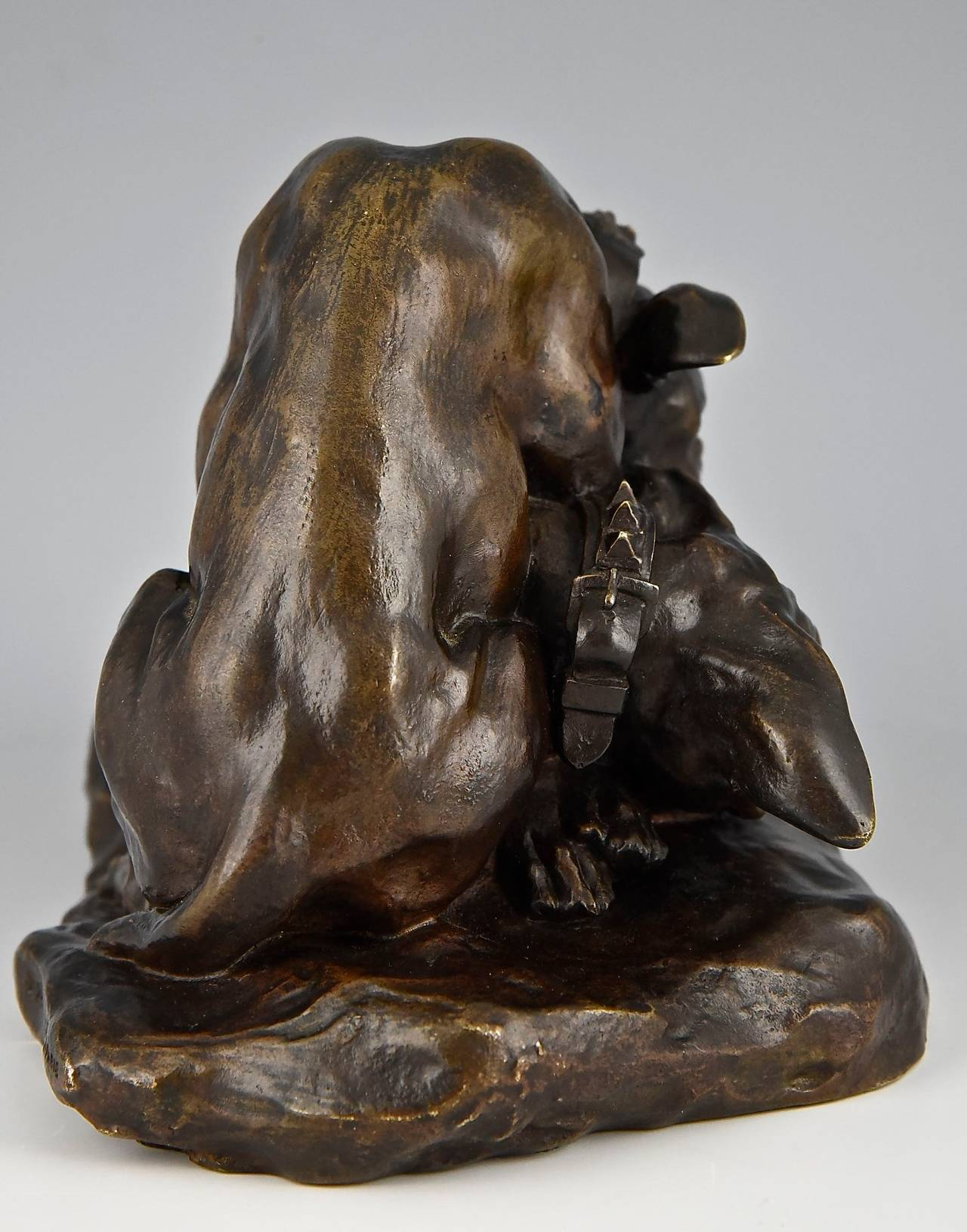 Bronze Bulldog sculpture by Thomas Cartier France 1900  In Good Condition For Sale In Antwerp, BE