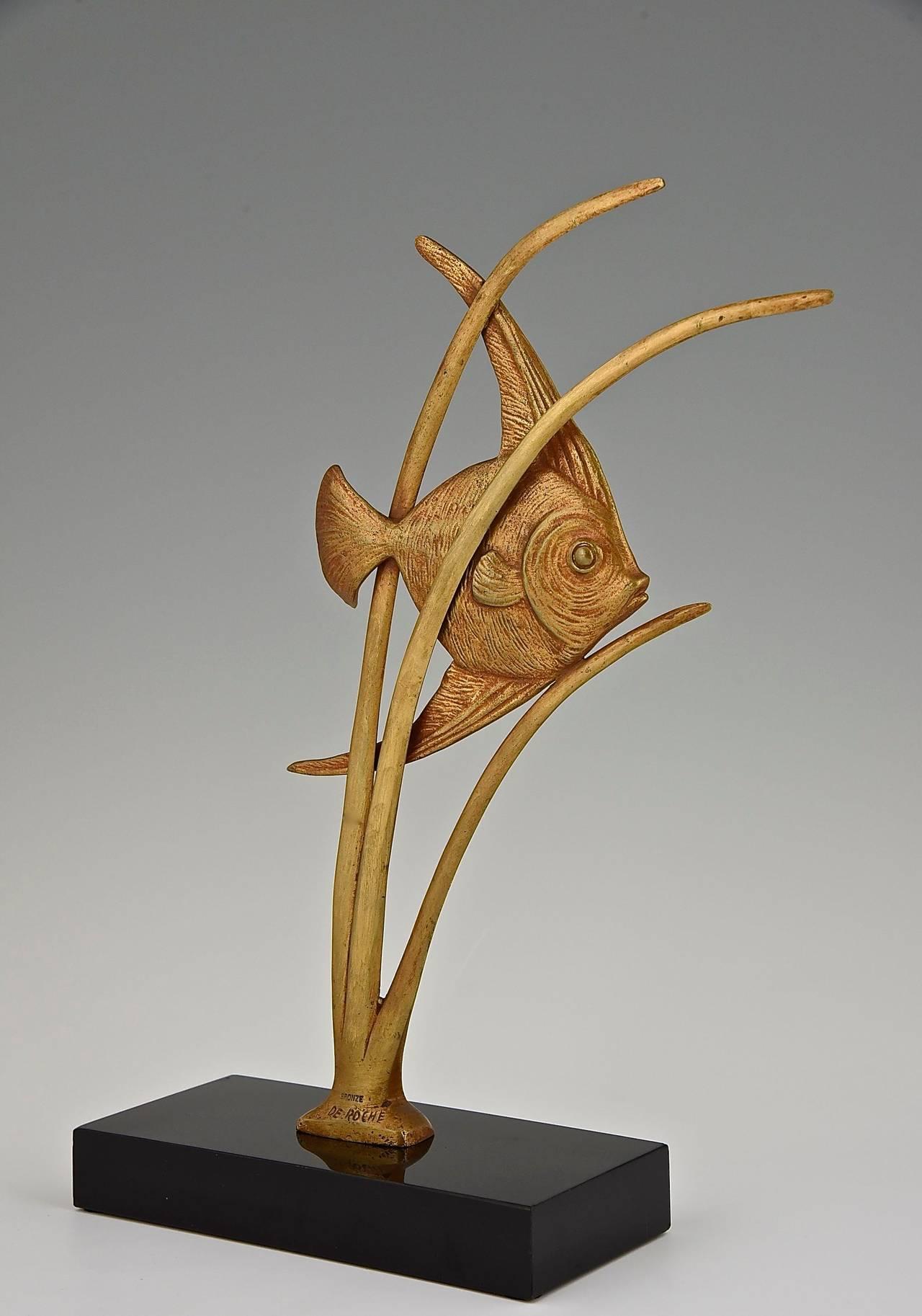 Gilt Art Deco Bronze Sculpture of a Fish by De Roche 1930 France For Sale