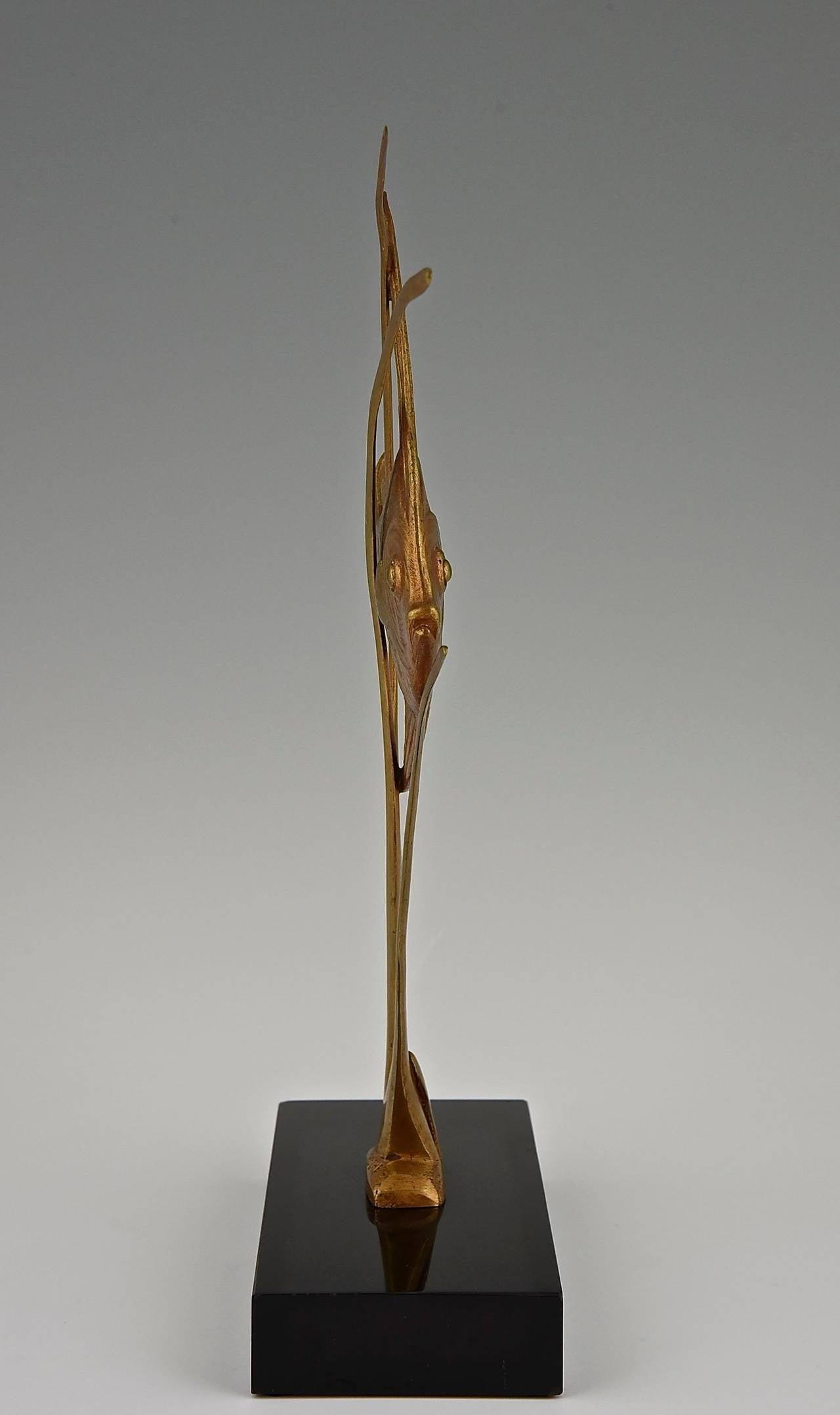 20th Century Art Deco Bronze Sculpture of a Fish by De Roche 1930 France For Sale
