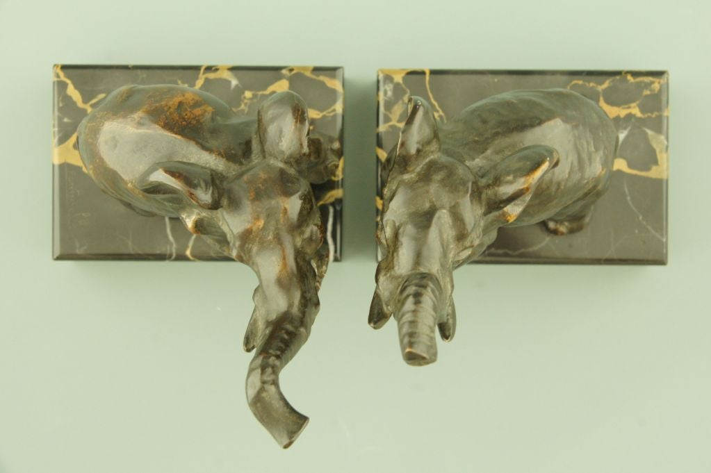 art deco bronze elephant bookends by fontinelle at 1stdibs. Black Bedroom Furniture Sets. Home Design Ideas