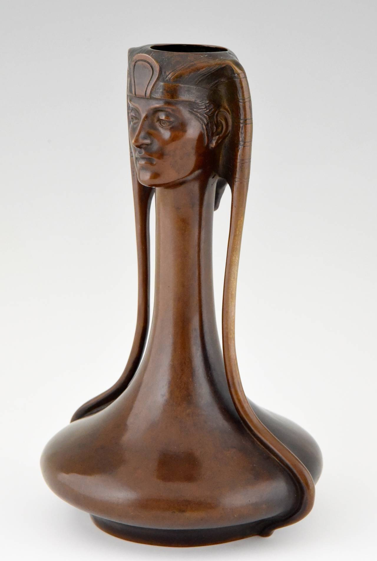 Art Nouveau Vienna bronze Egyptian vase with Pharaoh by A. Canciani 3