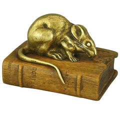 Antique Bronze of a Mouse on a Book by L. Carvin, Susse Freres, circa 1900