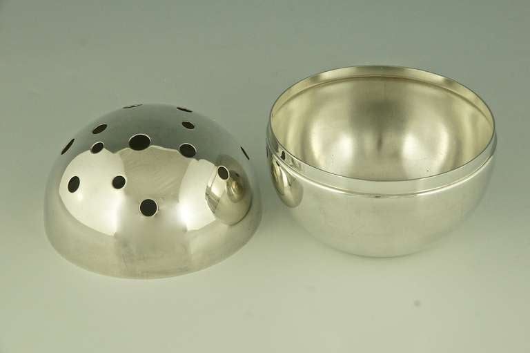 gio ponti for christofle spherical silver plated vase 1956 at 1stdibs. Black Bedroom Furniture Sets. Home Design Ideas