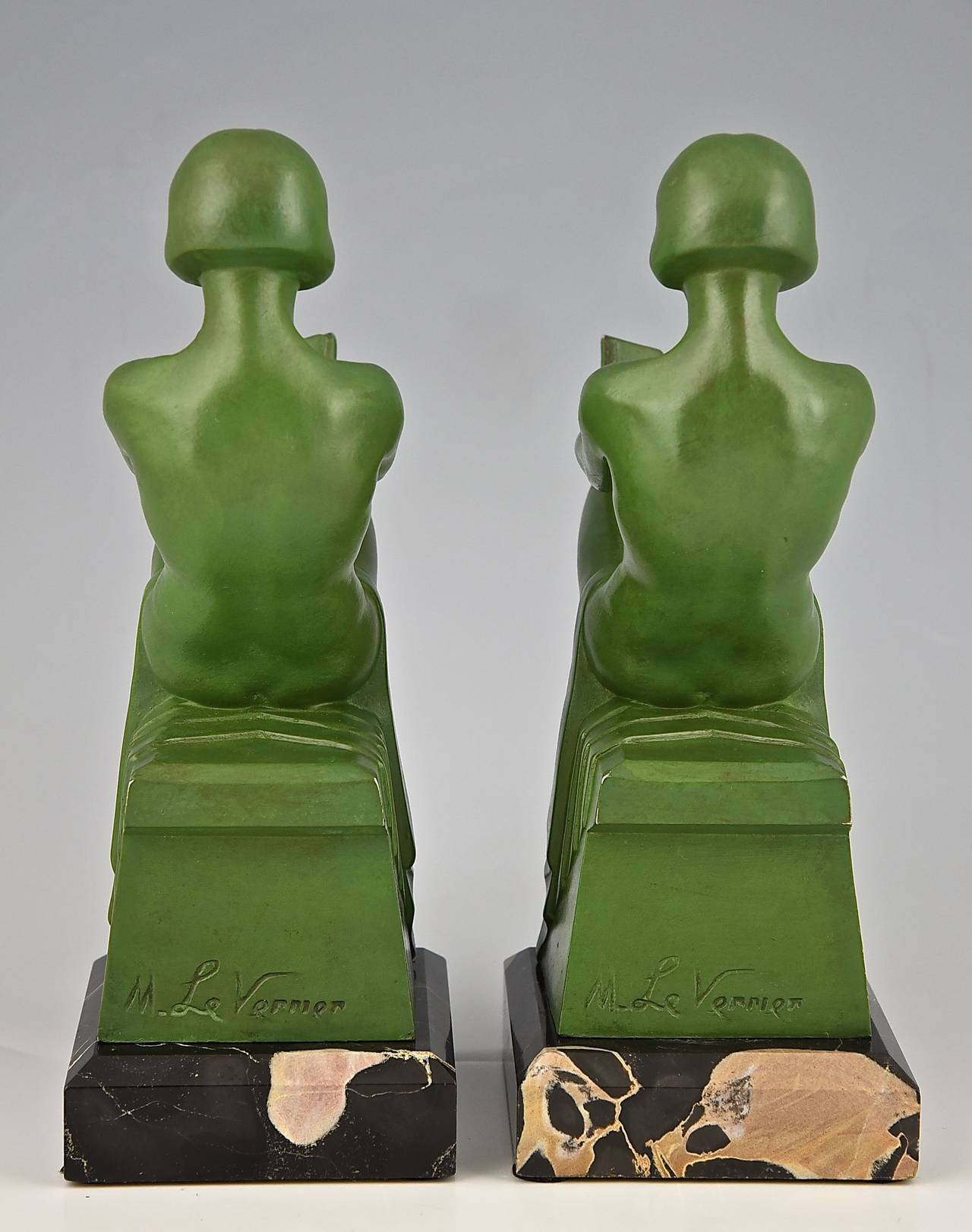 Art Deco Bookends Reading Nudes by Max Le Verrier 1930 In Good Condition In Antwerp, BE