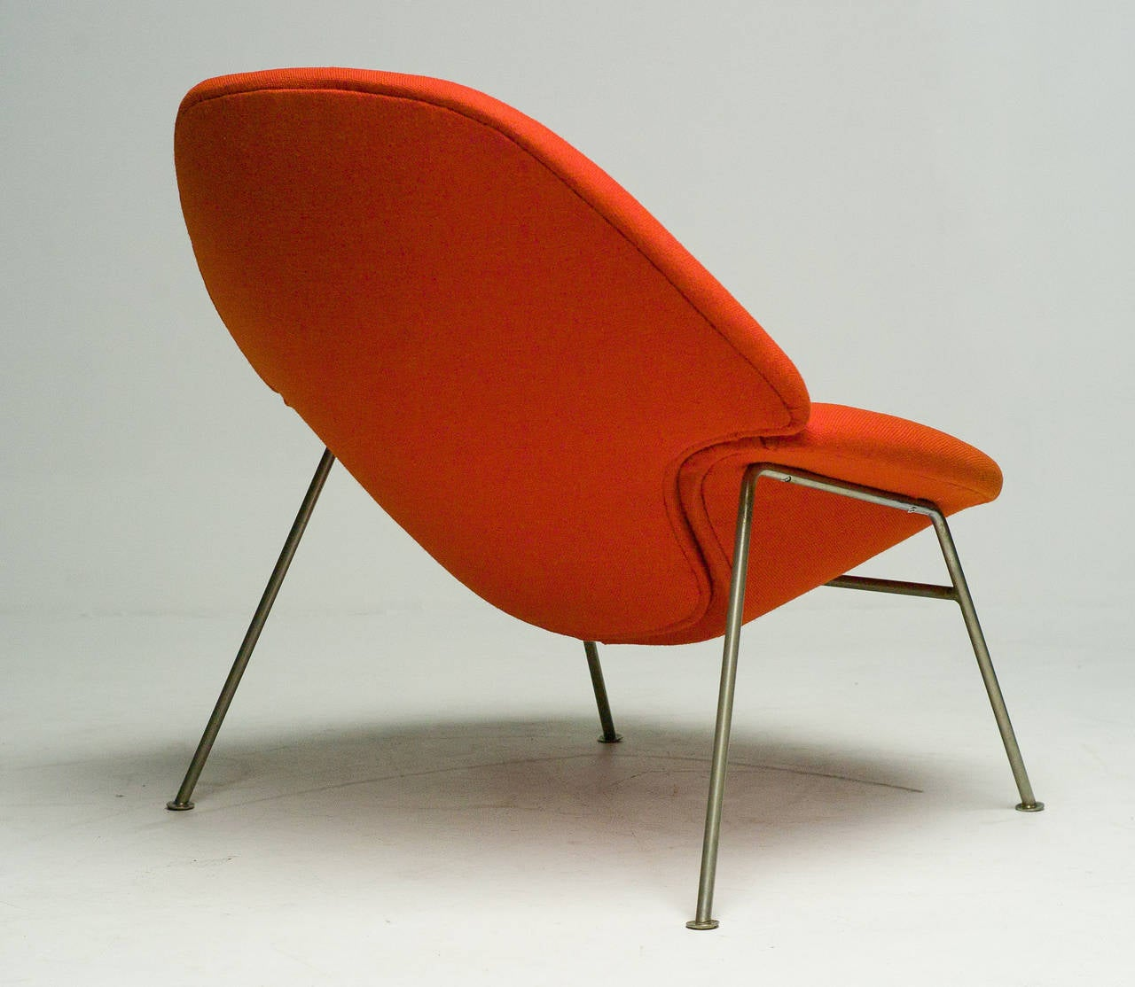 Lounge Chair F555 By Pierre Paulin For Artifort For Sale