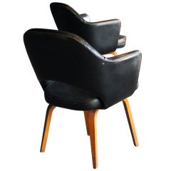 Set of 2 classic early Eero Saarinen 71 Series Chairs For Knoll