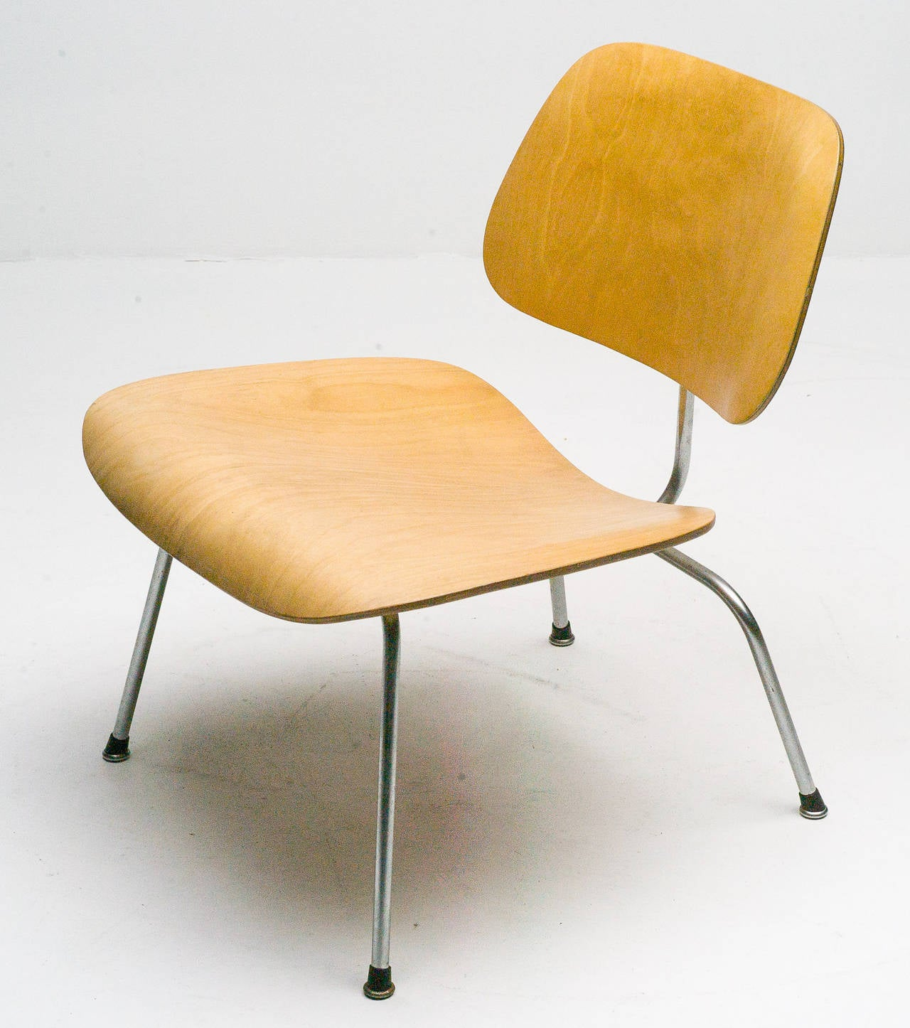 1949 original charles eames lcm in birch chair for sale at