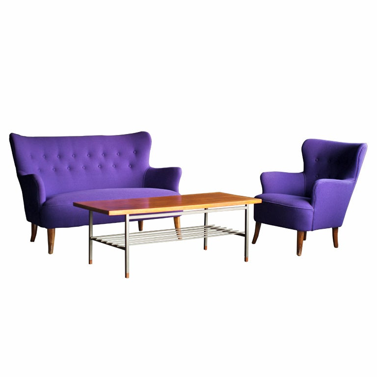 Mid Century Modern lounge chair and table designed by Theo Ruth for Artifort 1