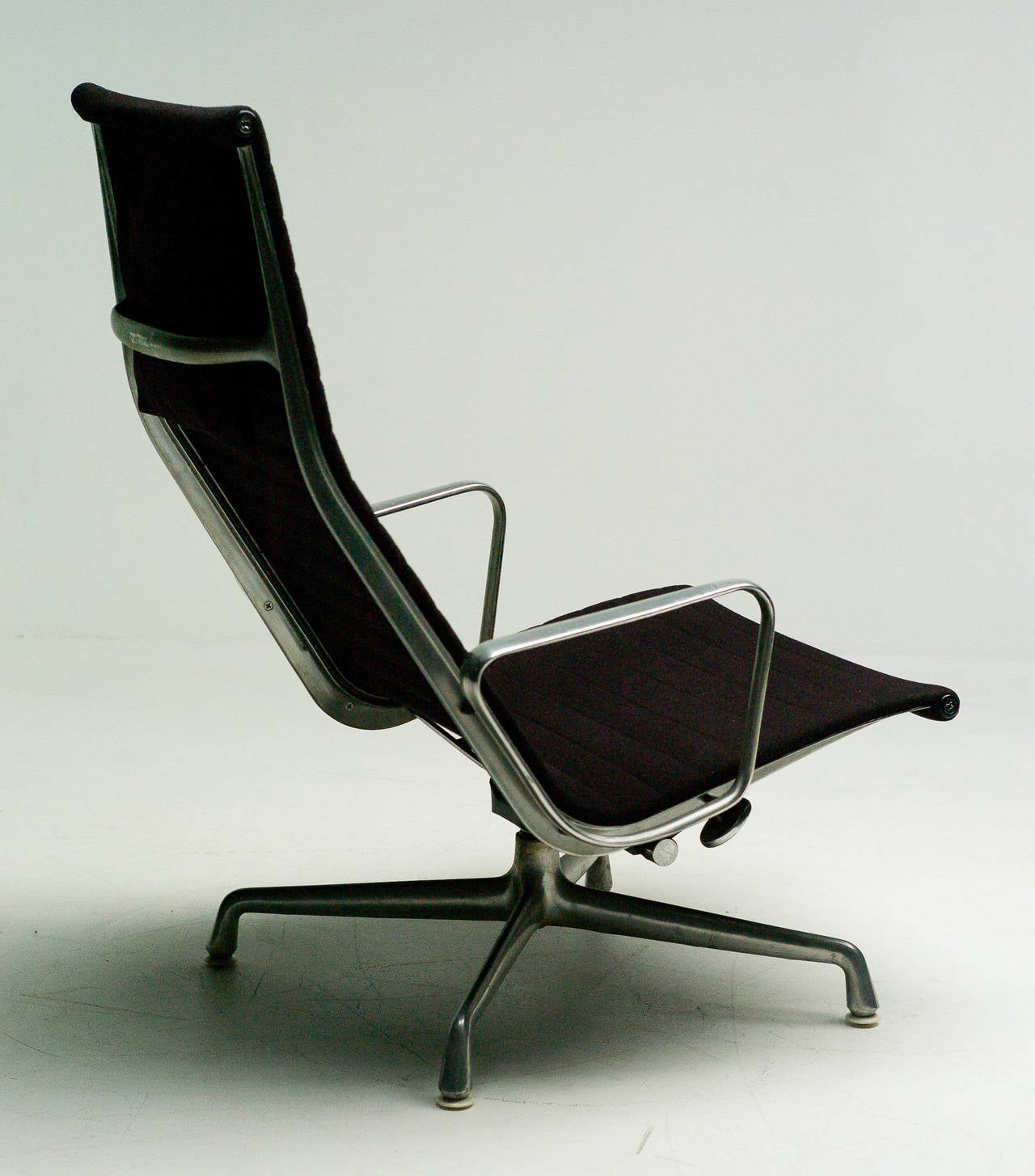 Charles Eames EA124 Lounge Chair by Herman Miller 2