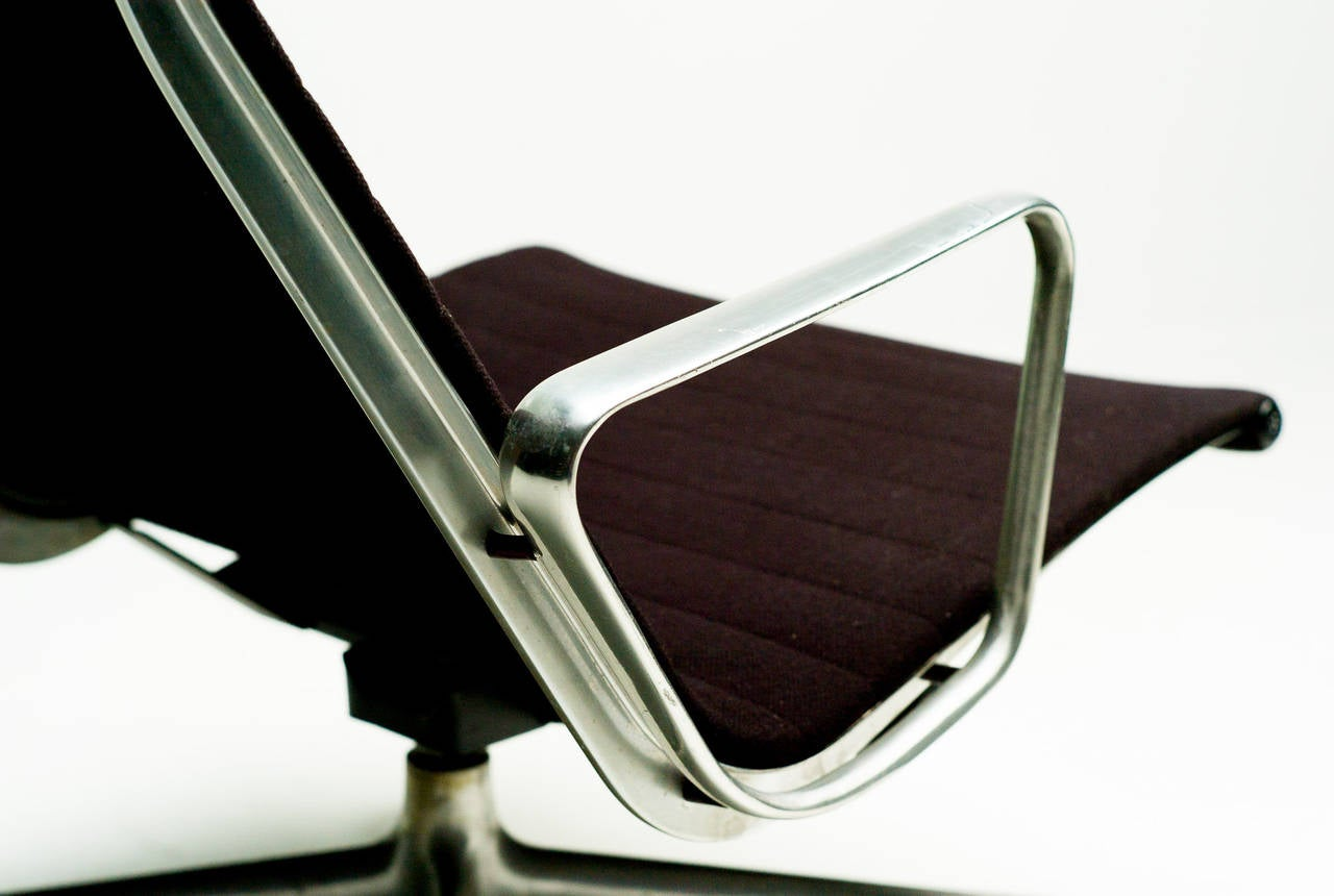 Charles Eames EA124 Lounge Chair by Herman Miller 3