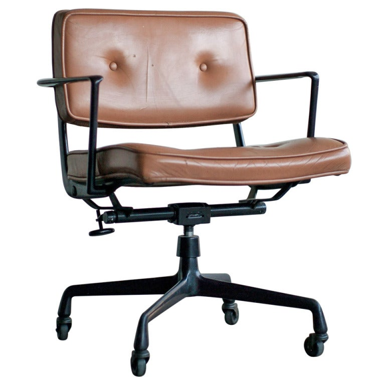 Rare charles and ray eames for herman miller intermediate desk chair at 1stdibs - Herman miller chair eames ...