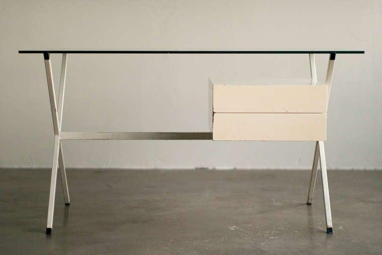 Mid-Century Modern Desk Designed In 1958 By Franco Albini For Knoll International. For Sale