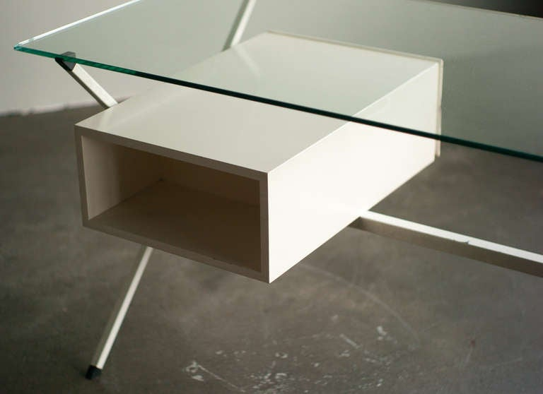 Mid-20th Century Desk Designed In 1958 By Franco Albini For Knoll International. For Sale