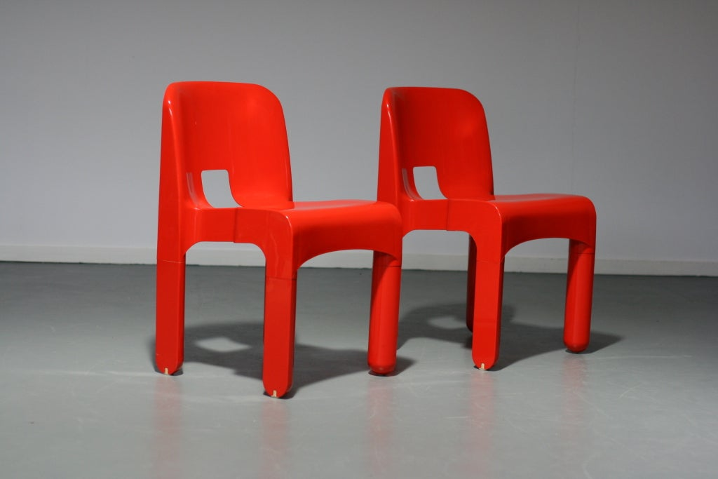 Joe colombo 4867 chairs by kartell at 1stdibs for Kartell plastic chair