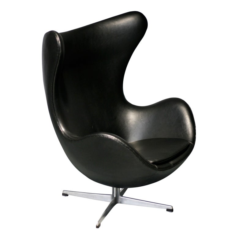 egg chair arne jacobsen for fritz hansen at 1stdibs. Black Bedroom Furniture Sets. Home Design Ideas