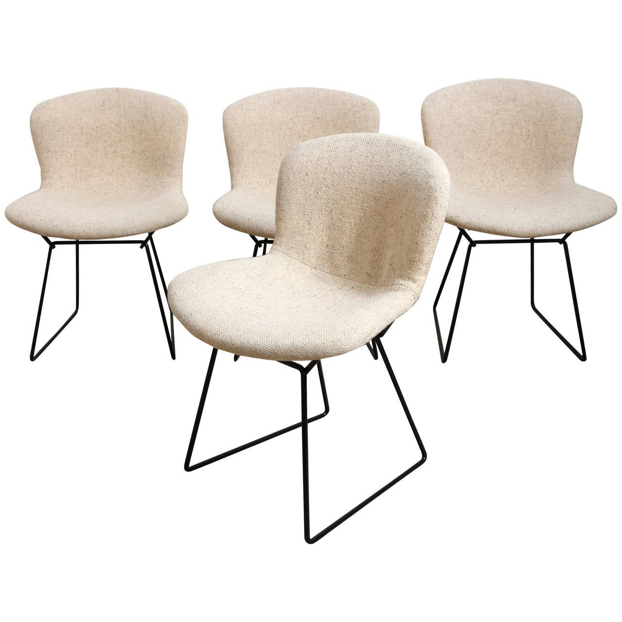 Set of Four Black Wire Chairs by Harry Bertoia for Knoll at 1stdibs