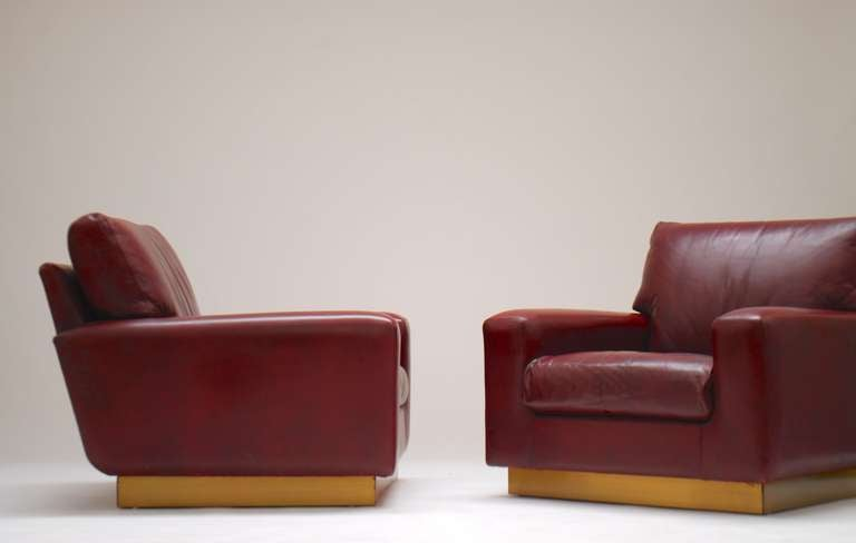 Pair Of Burgundy Red Leather 1970 S Club Chairs At 1stdibs