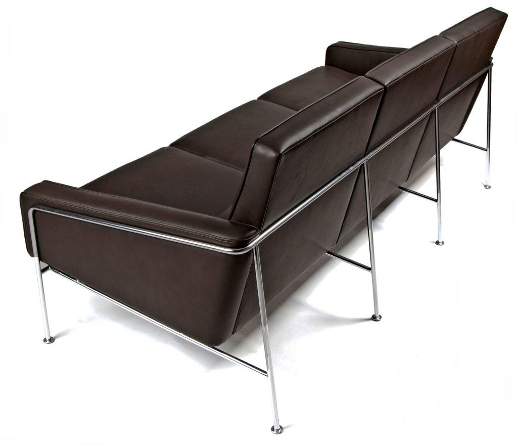 arne jacobsen airport sofa for fritz hansen at 1stdibs. Black Bedroom Furniture Sets. Home Design Ideas