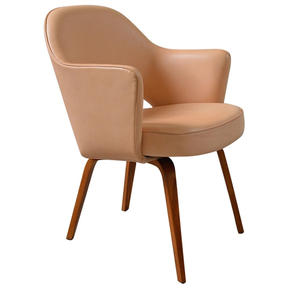 Leather executive armchair by eero saarinen for knoll at for Eero saarinen tulip armchair