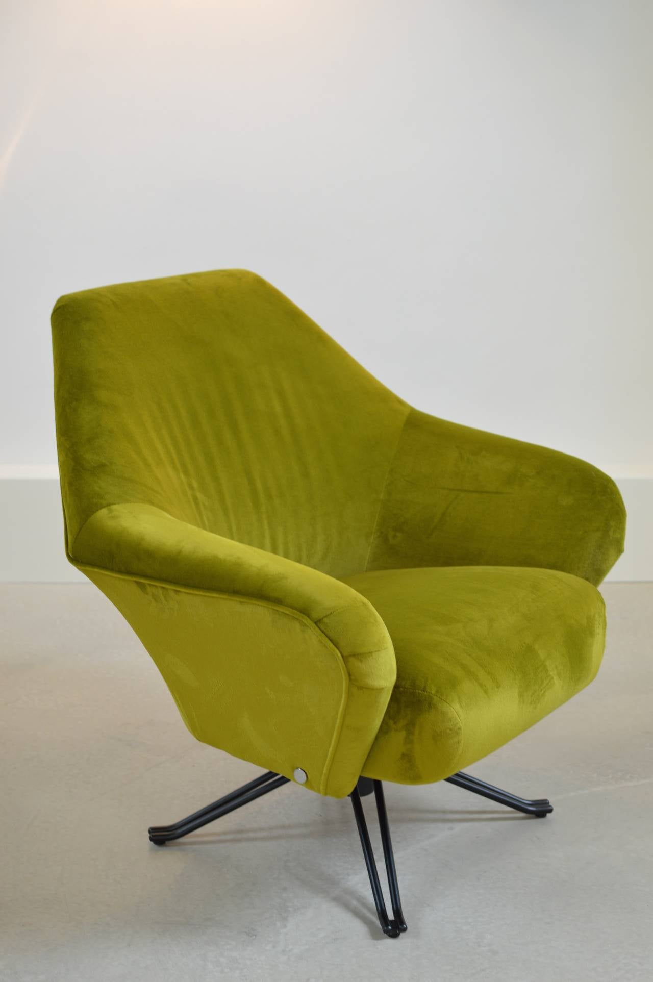 Superior Chartreuse P32 Armchair By Osvaldo Borsani For Tecno For Sale At 1stdibs