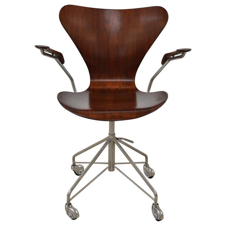 Earliest Arne Jacobsen Rosewood Swivel Desk Chair with Arms at 1stdibs
