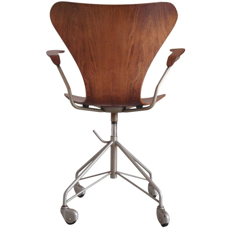 Earliest Arne Jacobsen Rosewood Swivel Desk Chair With