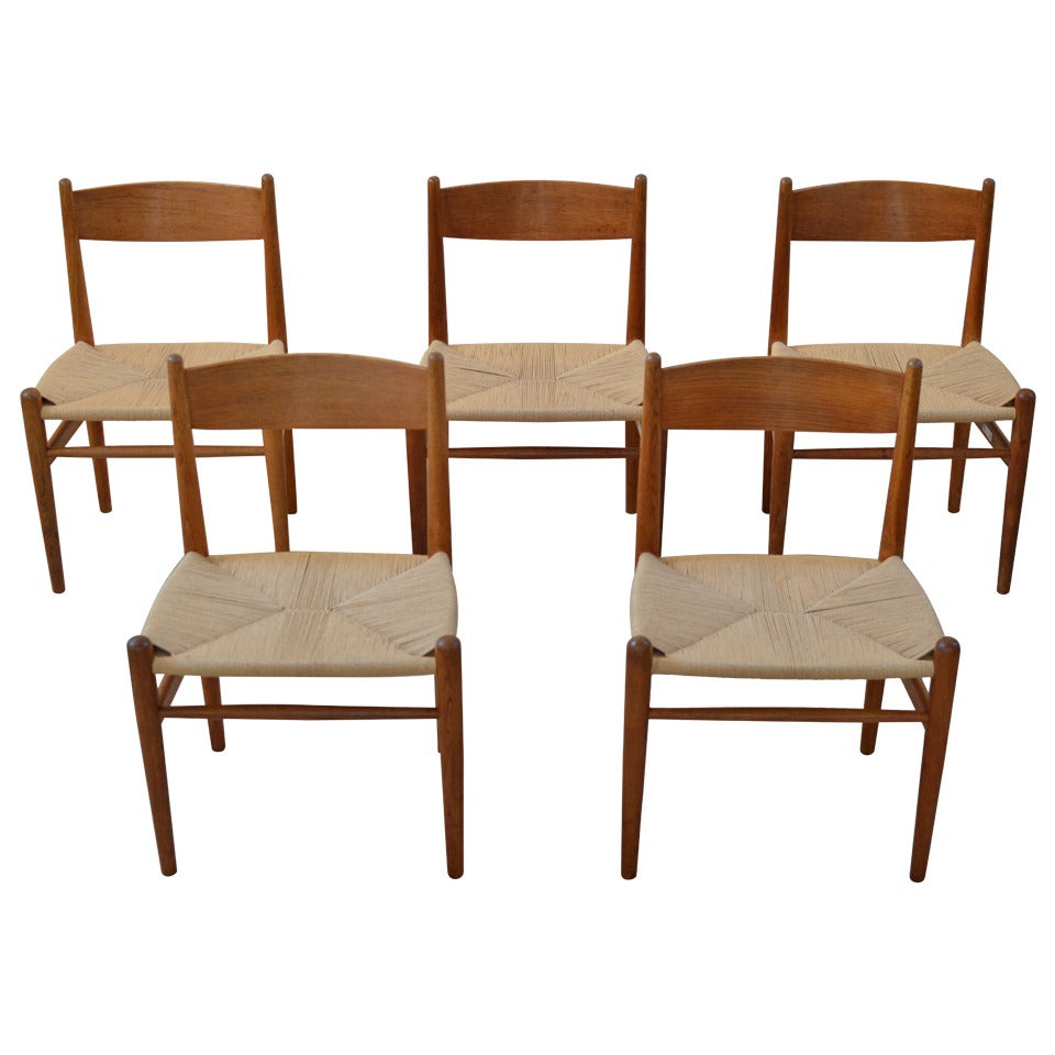 This four wishbone chairs by hans wegner is no longer available - Set Of Five Hans Wegner Dining Chairs By Carl Hansen At