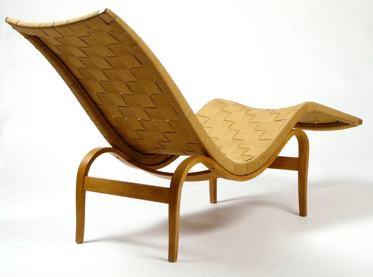 Early bruno mathsson chaise model 36 by karl mathsson at for Chaise modele