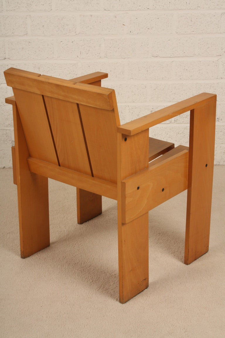 Dutch design gerrit rietveld crate chair for sale at 1stdibs for 80s furniture for sale