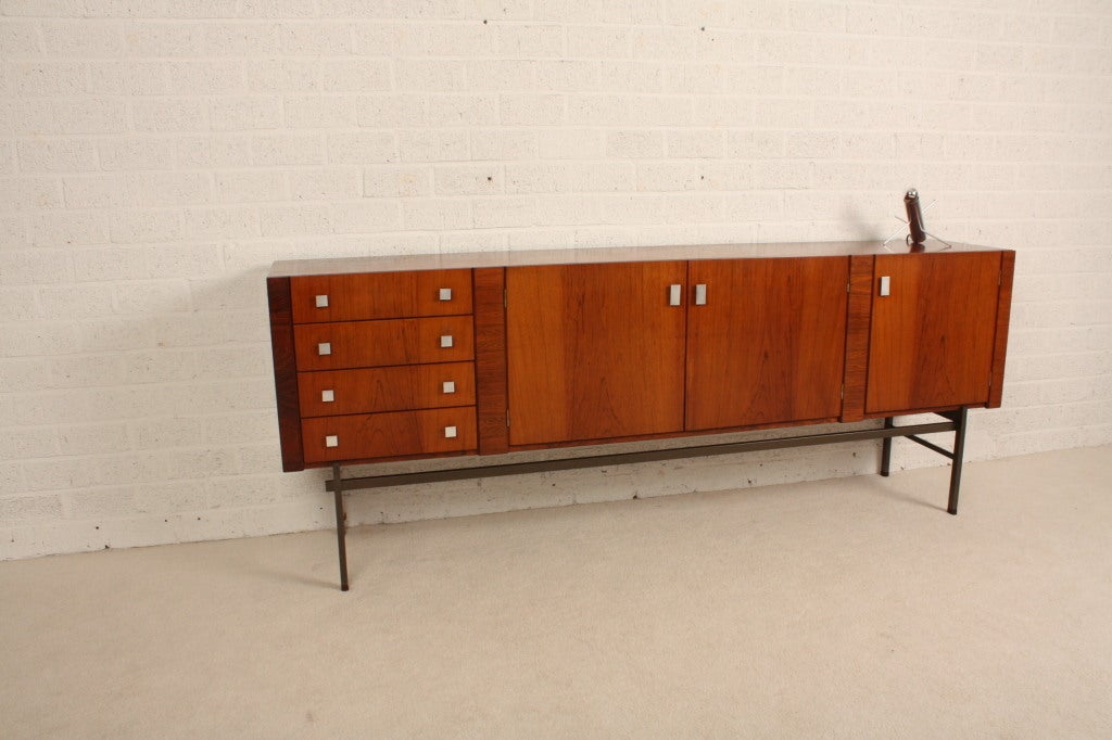 Alfred hendrickx palissander sideboard 39 60 at 1stdibs for Sideboard 240 cm