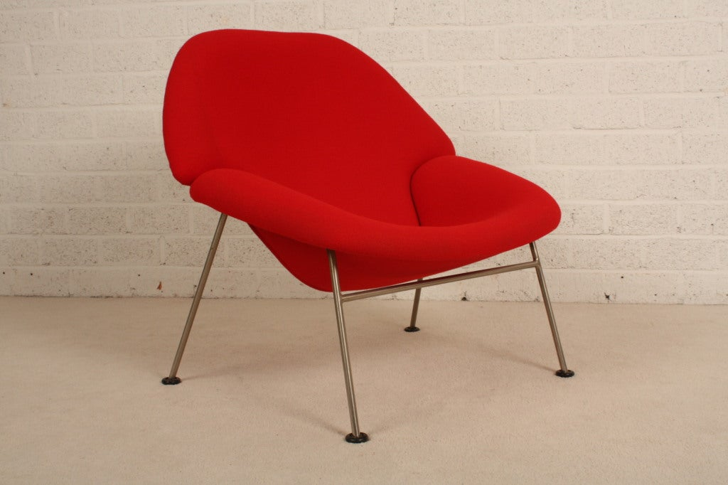 Pierre Paulin For Artifort Red Chair With Woolen Fabric At
