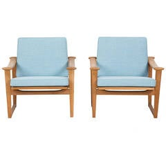In the style of Finn Juhl Set of Oak Chairs for Pastoe designed by Nissen
