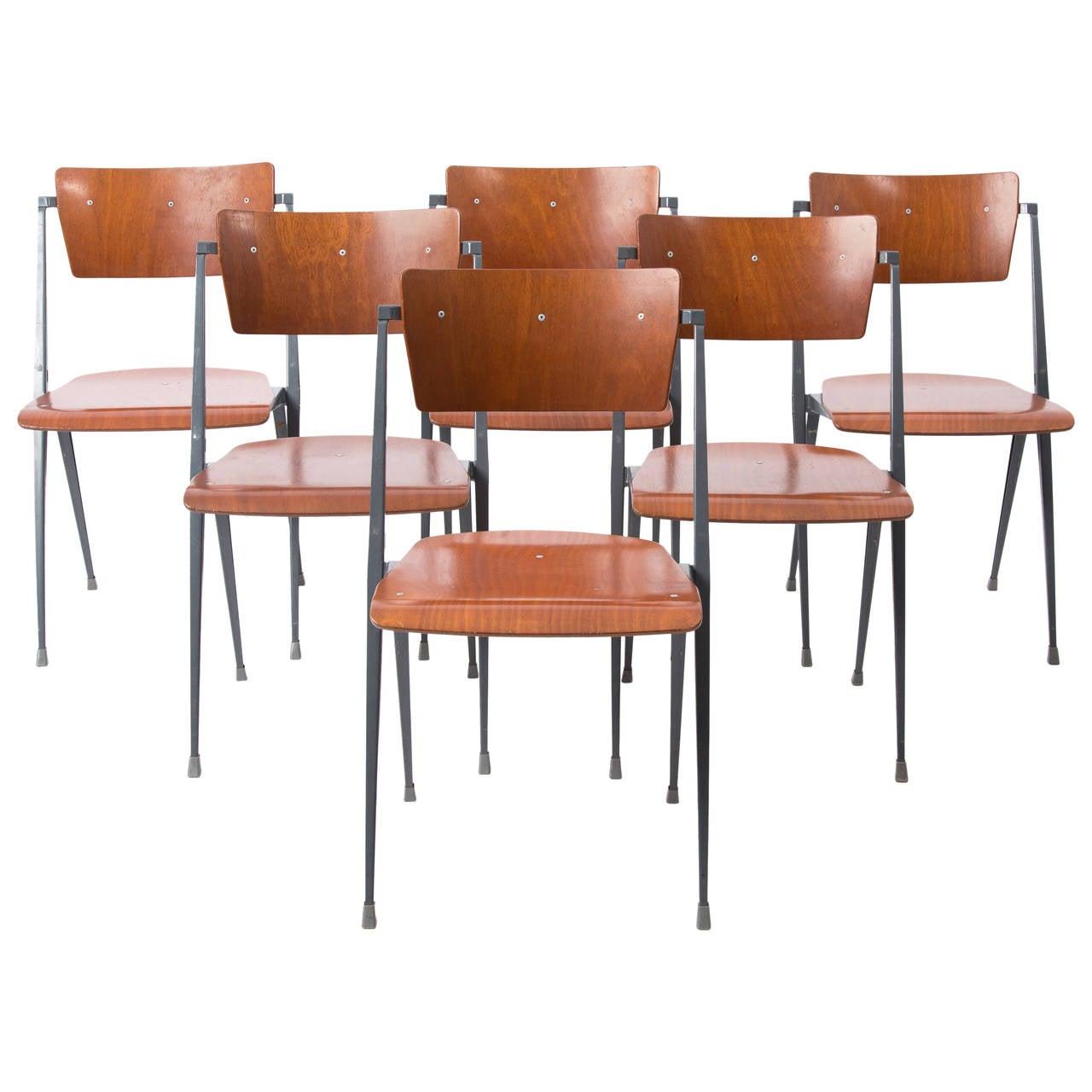 Wim Rietveld Pyramide Ahrend de Cirkel Chairs