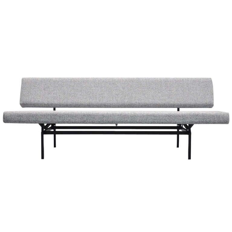 gijs van der sluis 540 day bed sofa gispen 1961 at 1stdibs. Black Bedroom Furniture Sets. Home Design Ideas