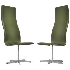 Arne Jacobsen Oxford chairs pair in green vynil 1962