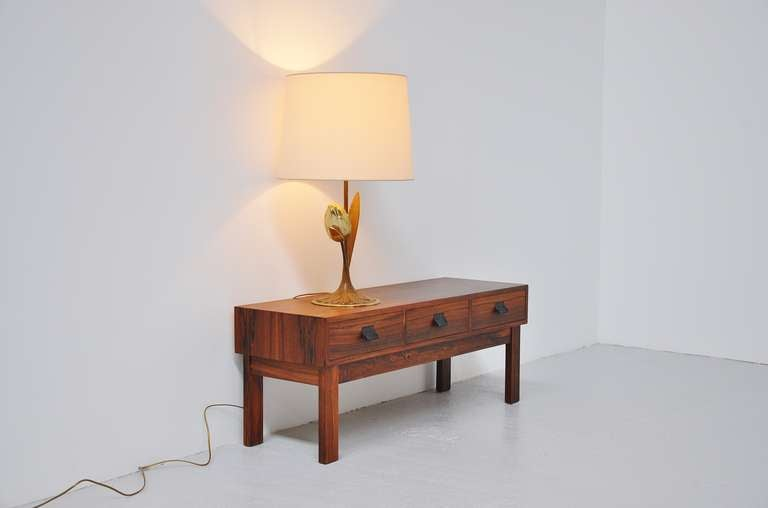 Willy Daro Attributed Brass Tulip Table Lamp Belgium, 1970 In Excellent Condition For Sale In Roosendaal, Noord Brabant