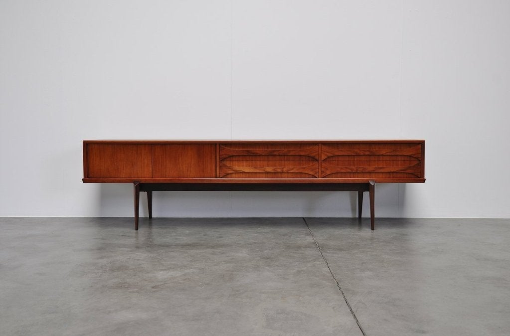tv lowboard vintage inspirierendes design. Black Bedroom Furniture Sets. Home Design Ideas