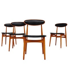 Norwegian dining chairs set of 4 in beech and black vynil