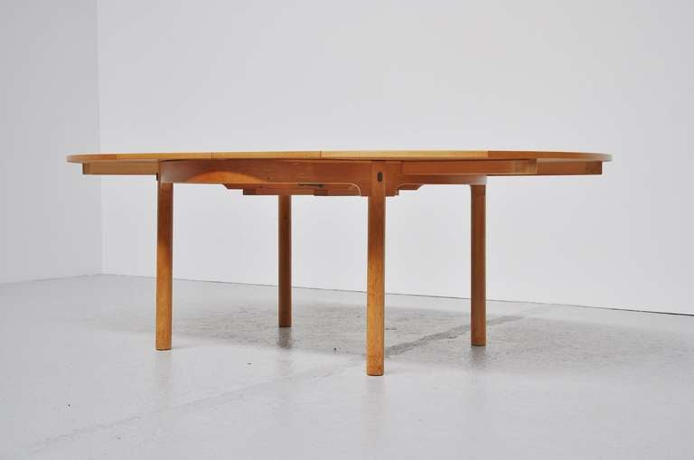 Borge Mogensen Oak Dining Table With Extension Leaves 1955  : DSC9349l from www.1stdibs.com size 768 x 509 jpeg 15kB