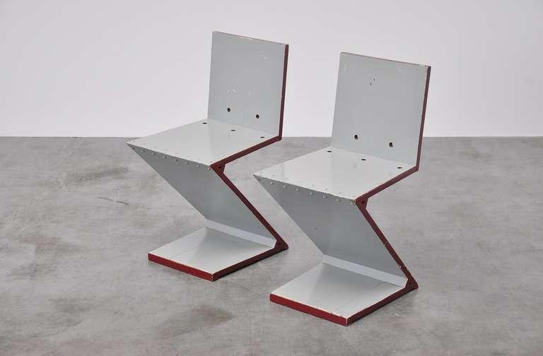 Dutch Gerrit Rietveld Zig Zag chair pair G.A. v.d. Groenekan 1961 For Sale