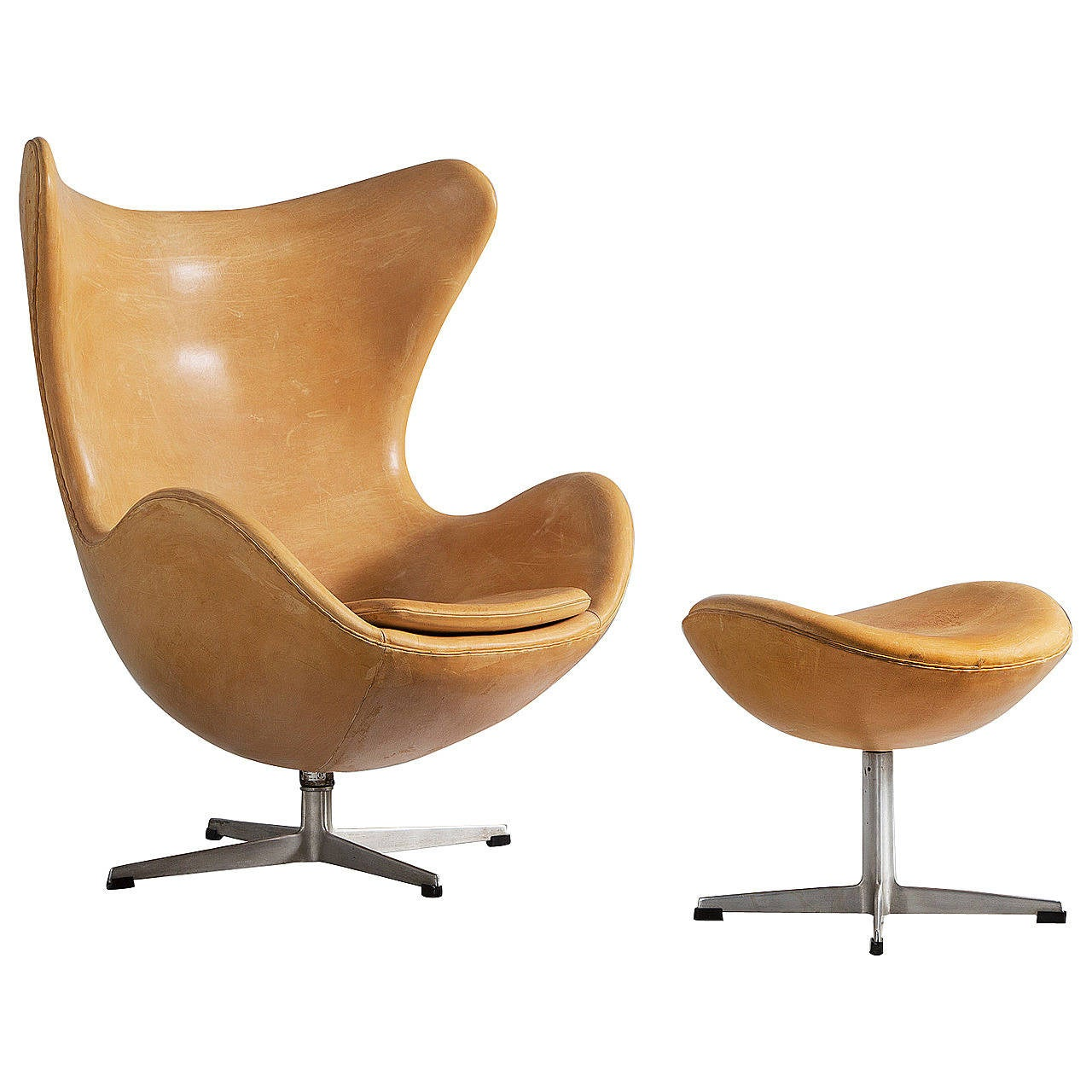 early version of the egg chair by arne jacobsen in original naturel leather at 1stdibs. Black Bedroom Furniture Sets. Home Design Ideas